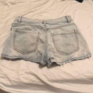 Bullhead Shorts - Ripped jean shorts